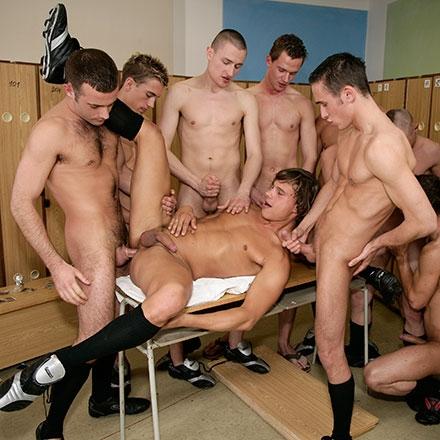 9 boy gangbang!!