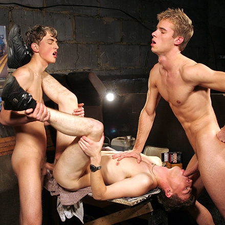 Another hot threeway