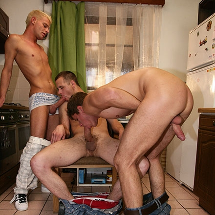 Ass-stretching, spunk-blasting foursome
