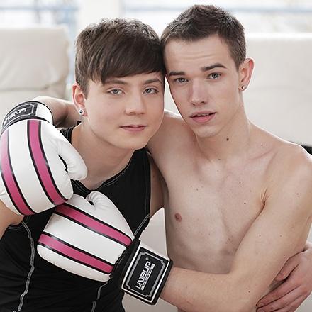 Fight Night, Sz.2: Neuling beruhigt einen verärgerten Boxer mit seinem besamungsfreudigen Arschloch! HD