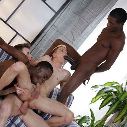 Horny interracial twink sucks on dick