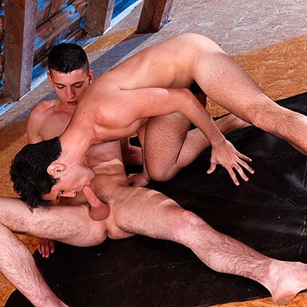 Tim Law takes israeli cock – and loves it! HD