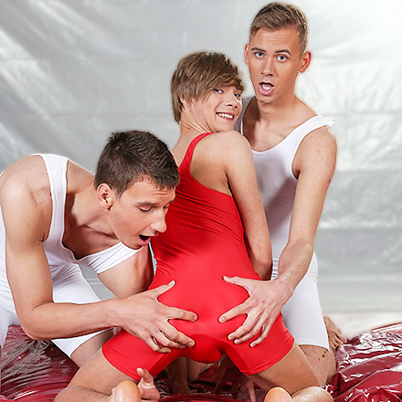 Fornicating Trio Get Oiled Up and Fucked Up – Then Spunk Up! (Oil Up Scene #3 HD)