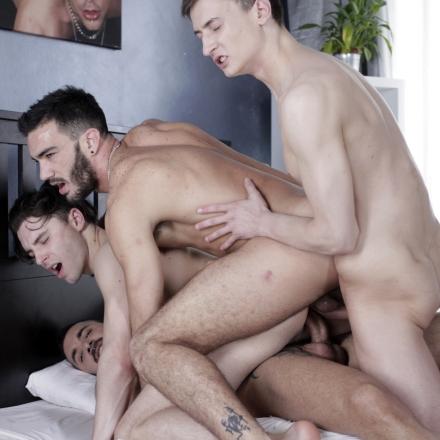 Nasty gays threeway penetration